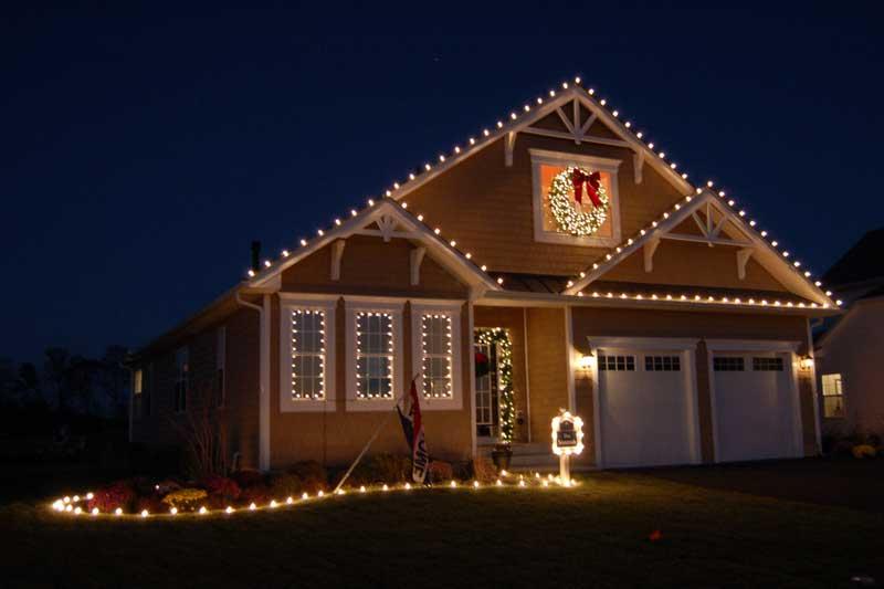 Del Vacchio Commercial Christmas Decor